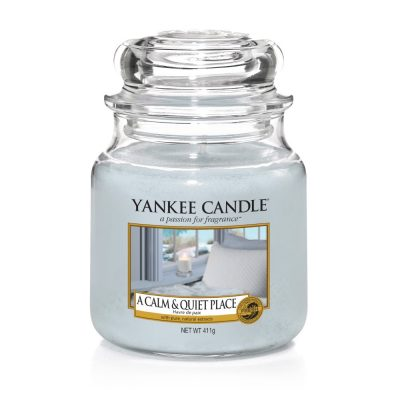A Calm and Quiet Place Medium Jar Yankee candle