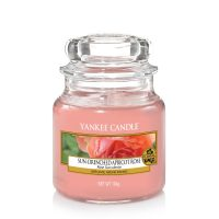 Sun-Drenced Apricot Rose Yankee Candle