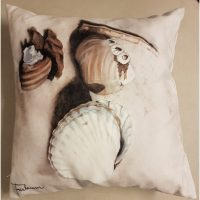 Kuddfodral Strandsnäckor 47*47 cm – Frickum
