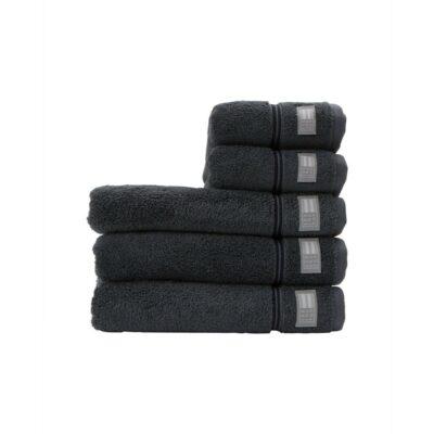 10082102_7820_1hotel towel