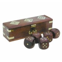 Tärningsspel i box av trä och mässing